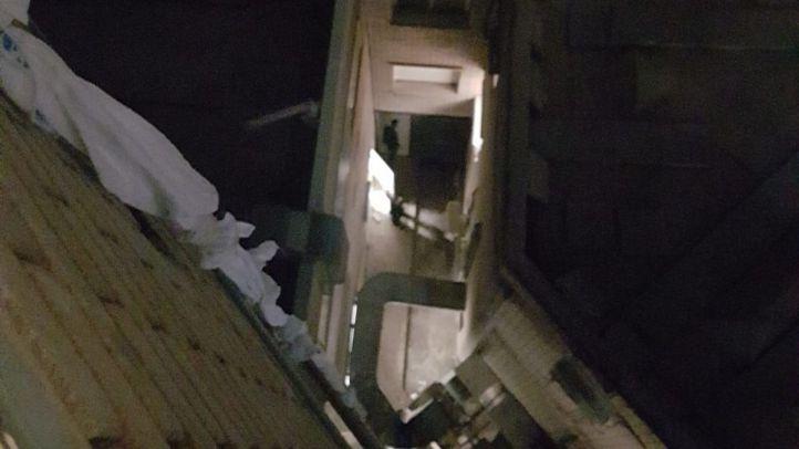 Un preso se fuga por una ventana del Gregorio Marañón utilizando sábanas entrelazadas