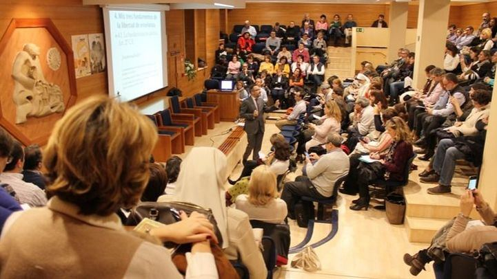 Los padres y madres de la concertada de ECM, a favor de la Constitución y de la Libertad de Enseñanza