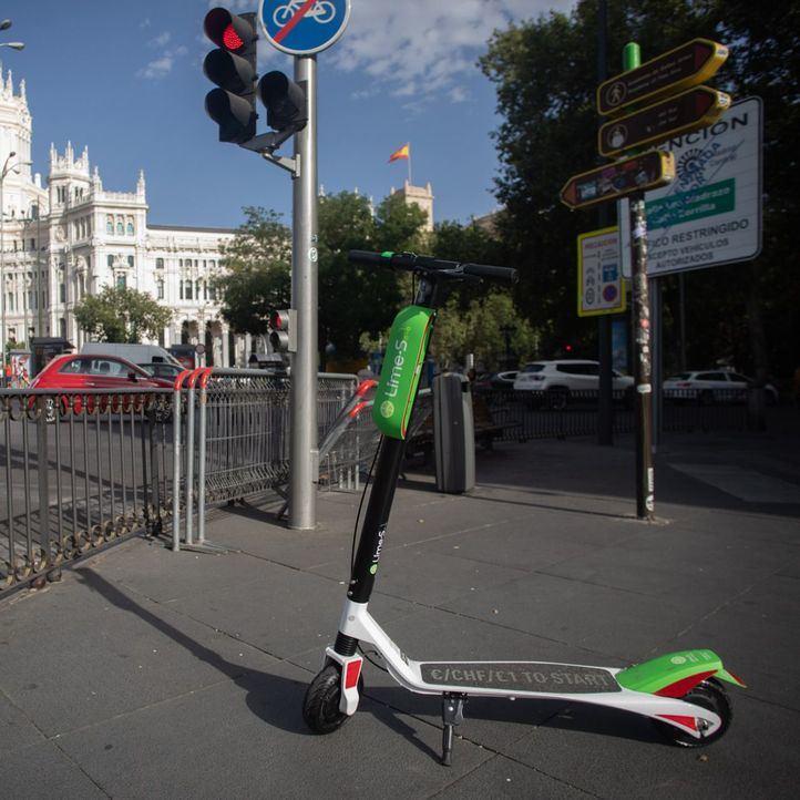 Ni rastro de los patinetes de Lime por las calles de Madrid