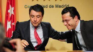 González y Lasquetty, en la rueda de prensa en la que se anunció la dimisión del segundo.