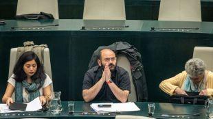 La concejal-presidenta de los distritos de Usera y Arganzuela, Rommy Arce, junto a Pablo Carmona y Monserrat Galcerán.