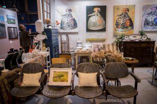 Joyas, antigüedades e ideas navideñas, en Almoneda