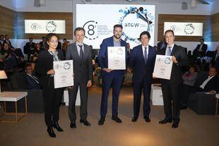 Tyris Software, ganadora de la 8ª edición de los Premios Sacyr a la Innovación junto a los otros dos finalistas, Pedro Duque y Manuel Manrique.