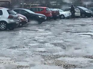 De barrizal a aparcamiento: los vecinos de Valdebernardo ganan la batalla