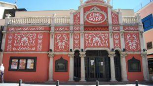 El cine abandona los barracones: abre el salón Doré