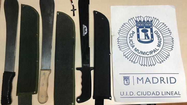 Armas requisadas a los dos detenidos.