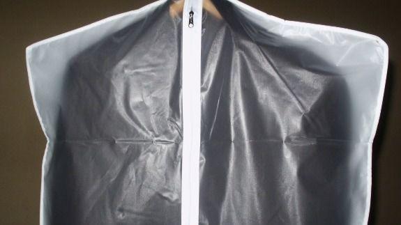 Las fundas para las prendas importantes protegen y prolongan su vida útil