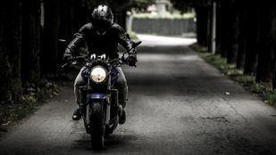 ¿Por qué necesitas usar un traje de moto?