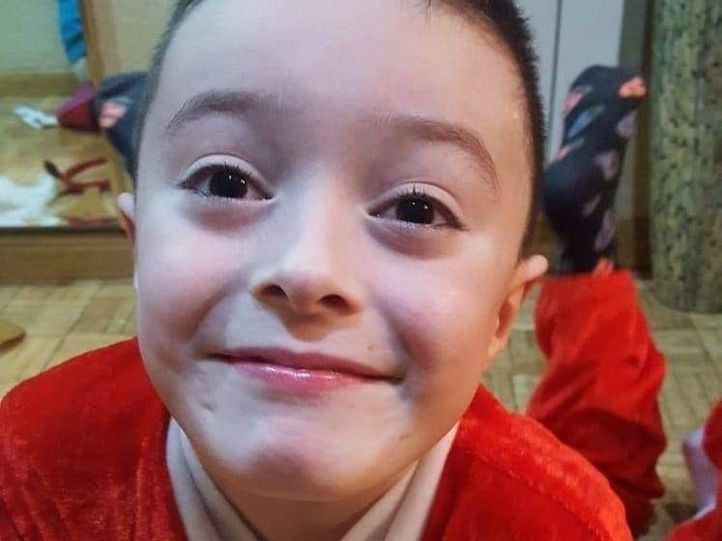 Dani, el niño de Parla de 8 años que necesita un trasplante de médula urgente.