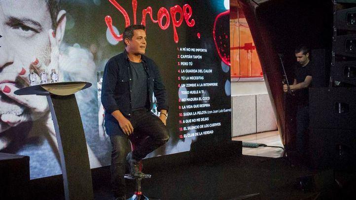 Alejandro Sanz en la presentación de su nuevo disco, Sirope, en el auditorio de Museo Reina Sofía.