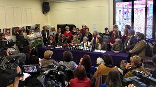 Varias organizaciones feministas presentan un manfiesto contra la idea de VOX de derogar la Ley contra la Violencia de Género.