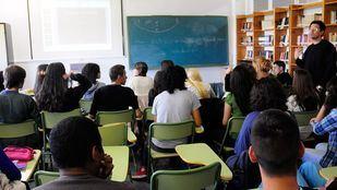Los detenidos han sido puestos a disposición de la Fiscalía de Menores acusados de un presunto delito de acoso escolar -bullying-.
