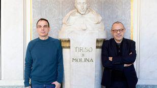 El autor Alberto Conejero y el director Lluís Pasqual en el teatro Español.