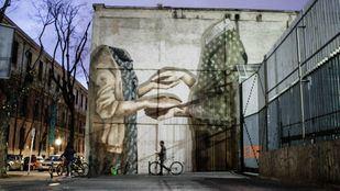 Mural para Arte Urbano e Igualdad de Género de Hyuro en la calle Embajadores.