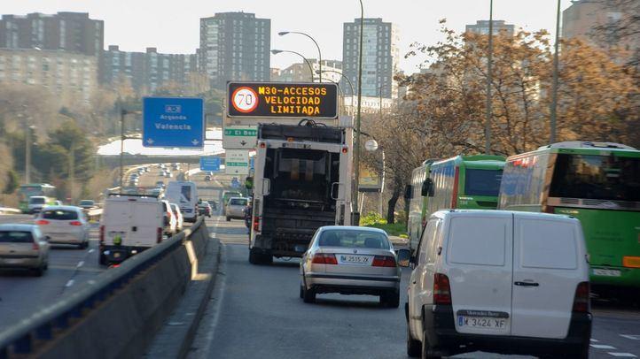 Los coches sin etiqueta no pueden circular hoy por la M-30 ni en el centro