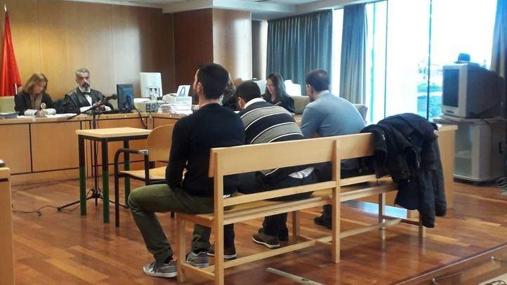 Juicio a 'la manada de Villalba': tres acusados por abusos a una joven