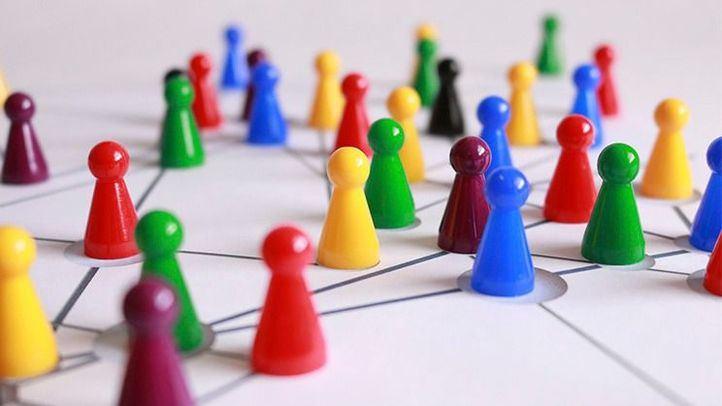 La teoría de los 6 grados y la primera red social