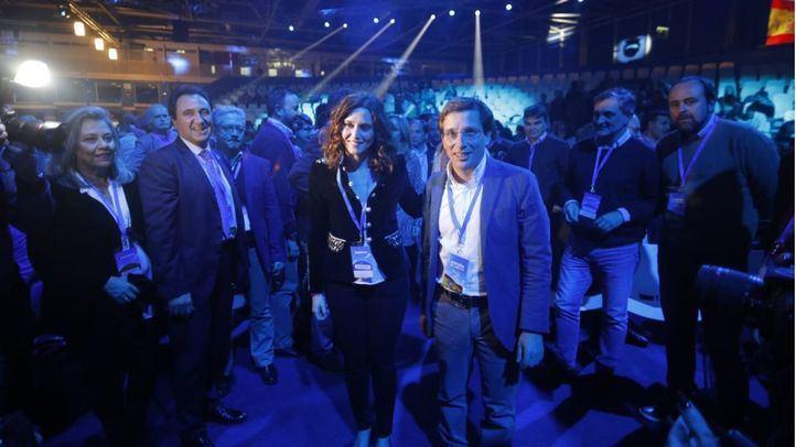 José Luis Martínez-Almeida junto a Isabel Díaz Ayuso en la Convención Nacional del PP.
