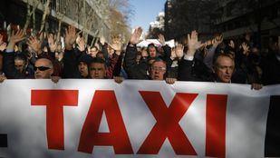 Arranca este lunes la huelga indefinida en el sector del taxi