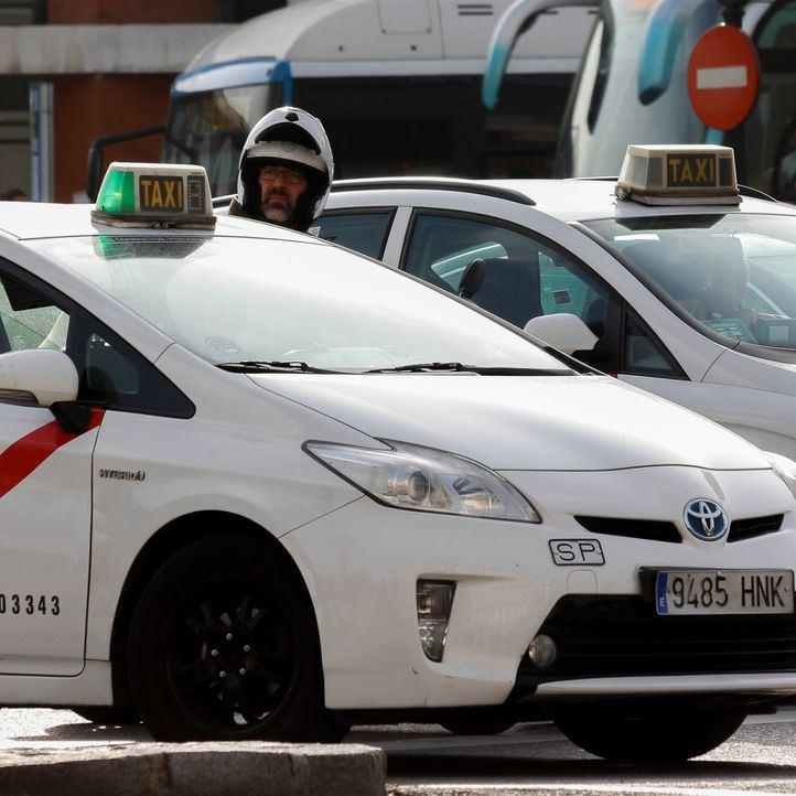 Detenidos dos taxistas por perseguir a un VTC y bloquear la A-2