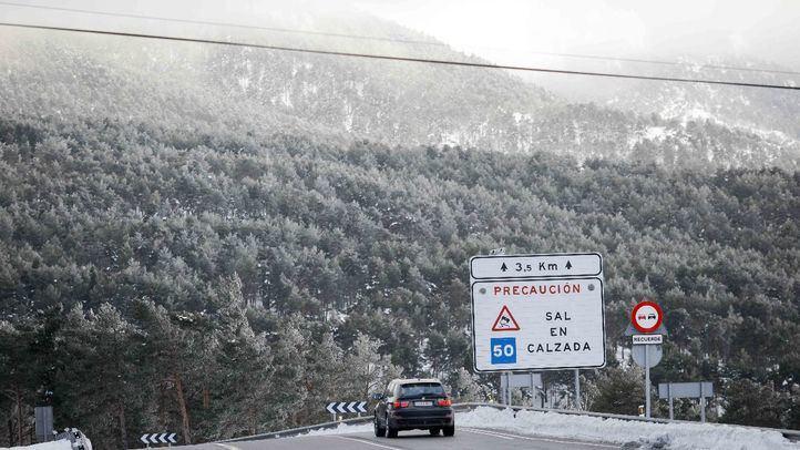 Nieve en una de las carreteras de la región.