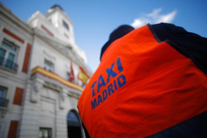 El Gobierno se planta y espera que los taxistas pidan volver a negociar
