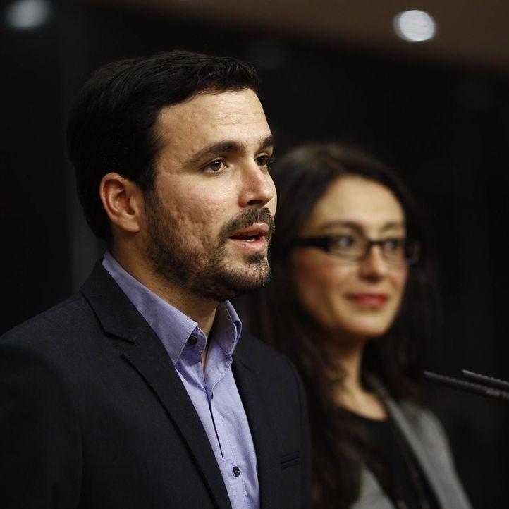 Sol Sánchez y Alberto Garzón.