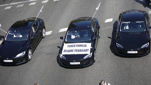 El taxi gana en Barcelona: los VTC abandonarán Cataluña