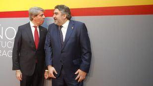 El delegado del Gobierno en Madrid y el presidente madrileño, en una foto de archivo durante el acto conmemorativo de los 40 años de la Constitución.