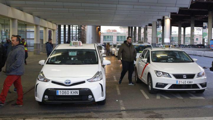 Los municipios exigen a Garrido poder opinar sobre los taxis