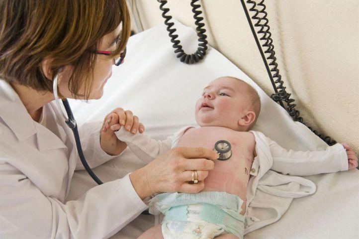Los pediatras madrileños, a favor de la reducción horaria en Atención Primaria