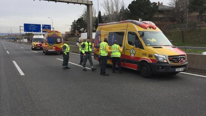 El taxista golpeado por un VTC en la A-2, en coma inducido