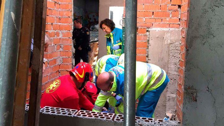 Cuatro obreros heridos por la caída de un forjado