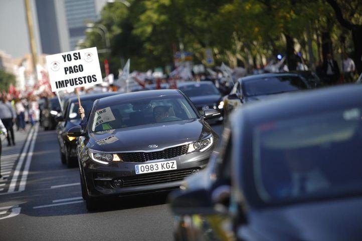 La huelga no cesa: los taxistas rechazan la precontratación 'espacial'
