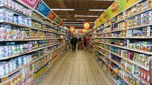 Pasillo de un supermercado.