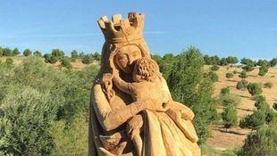 Virgen del Abrazo, en Valdebebas.