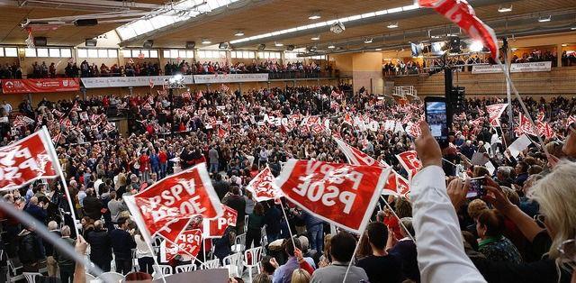El CIS dibuja un panorama dulce para el PSOE: más votos y hundimiento del PP frente a Cs y Vox