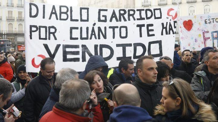 Los taxistas se manifiestan en la Puerta del Sol.