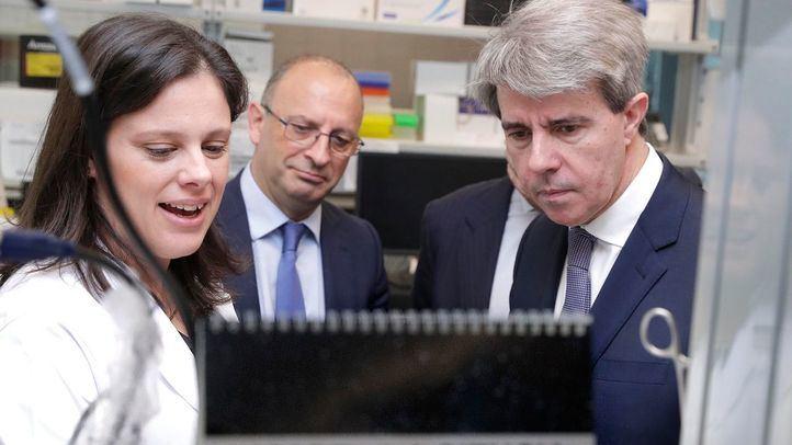 El presidente de la Comunidad de Madrid, Ángel Garrido, ha comprobado y alabado los avances en la lucha contra esta enfermedad.