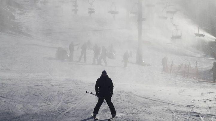 El esquí se encuentra entre los deportes más turísticos.