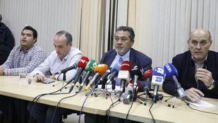 Los representantes de las asociaciones del taxi anuncian el cese de la huelga indefinida.