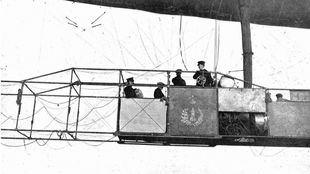 Alfonso XIII se sube al España para romper la 'maldición'