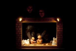 Una historia teatral contada con barro y a cuatro manos
