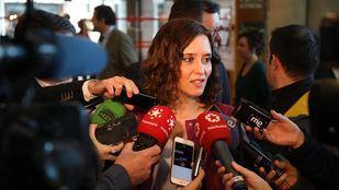 La candidata del PP a las elecciones del 26-M, Isabel Díaz Ayuso, atiende a los medios en la Asamblea de Madrid