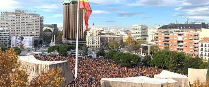 El PP fleta autobuses para llenar Colón, donde estará Garrido
