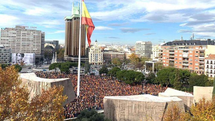 El día 1 de diciembre, en la jornada previa a las elecciones en Andalucía, Colón ya acogió una concentración contra la política de Sánchez en torno a Cataluña, a la que asistió Santiago Abascal.