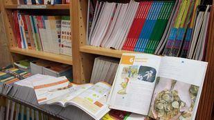 La Plataforma 'Salvar las pequeñas librerías' alerta sobre la posible desaparición de algunas de ellas con la Ley de Gratuidad de libros de texto.
