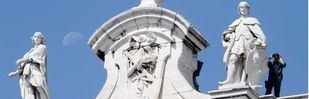 La premonición que hizo alejar 108 estatuas del Palacio Real