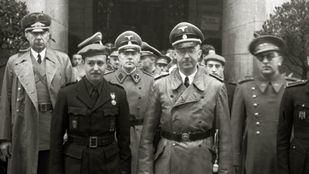 Finat junto a Himmler y Gerardo Caballero en San Sebastián.