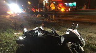 Dos jóvenes, heridos en un accidente de moto en la M-500